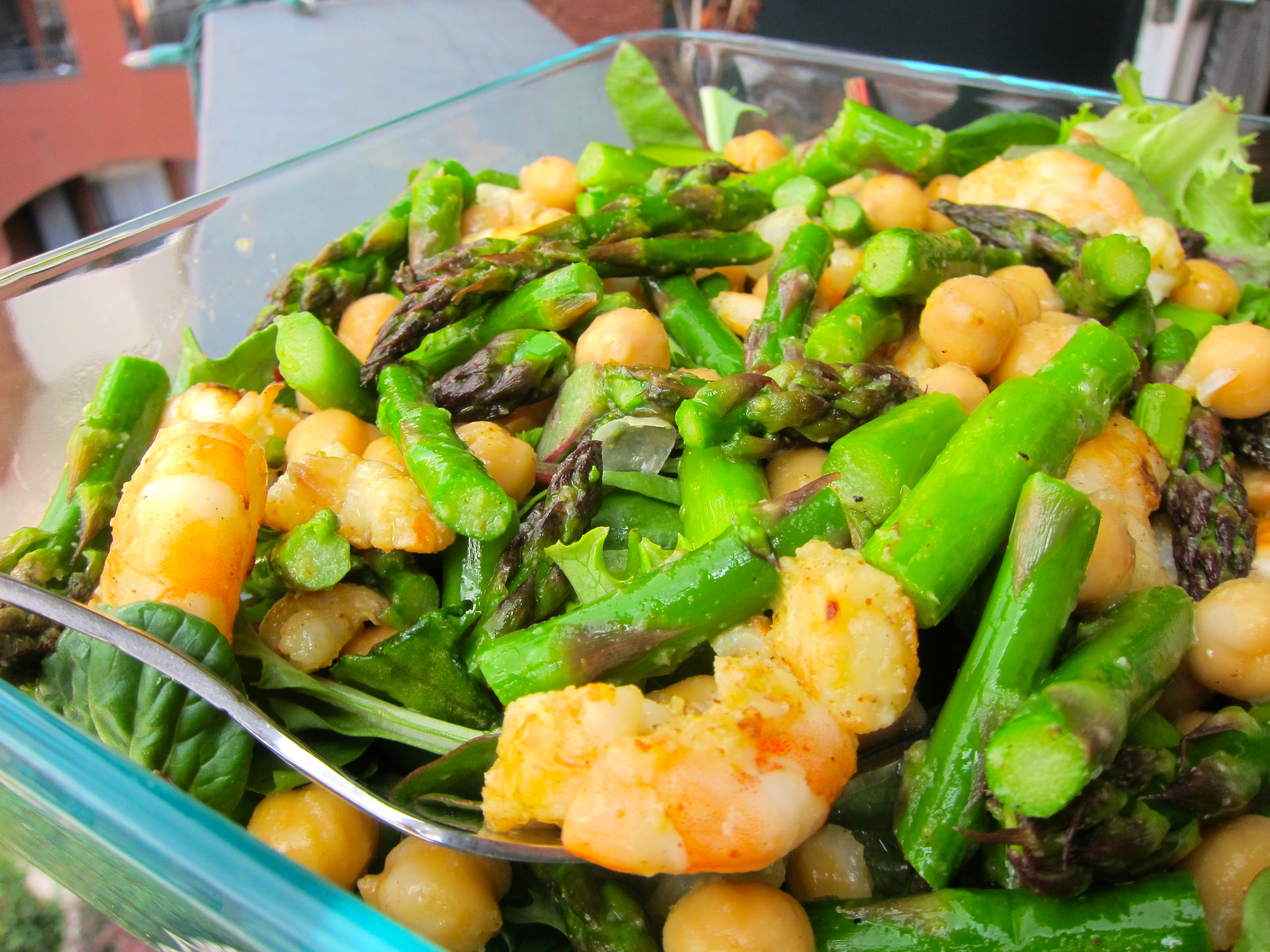lemon honey shrimp with asparagus and chickpeas