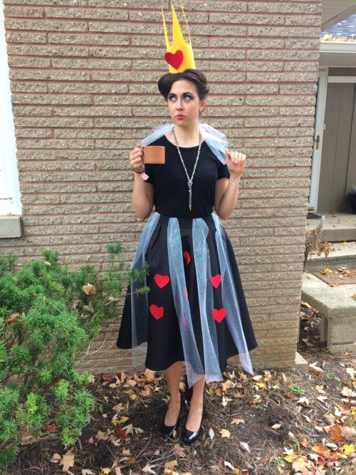 Clare - Queen of Hearts - Halloween